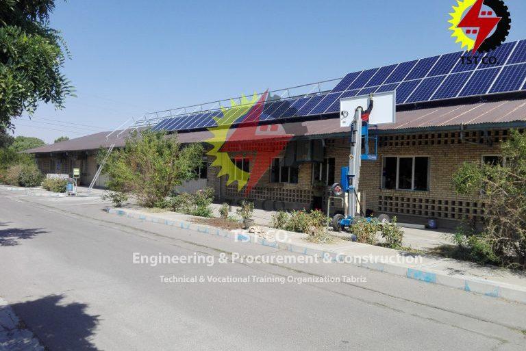 مشاوره و طراحی ،تامین تجهیزات و اجرای نیروگاه ۲۵کیلوواتی بر روی سقف سوله سازمان دولتی در تبریز توسط شرکت طلوع صنعت